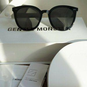 Gentle Monster Sunglasses SOLO 01 in Black